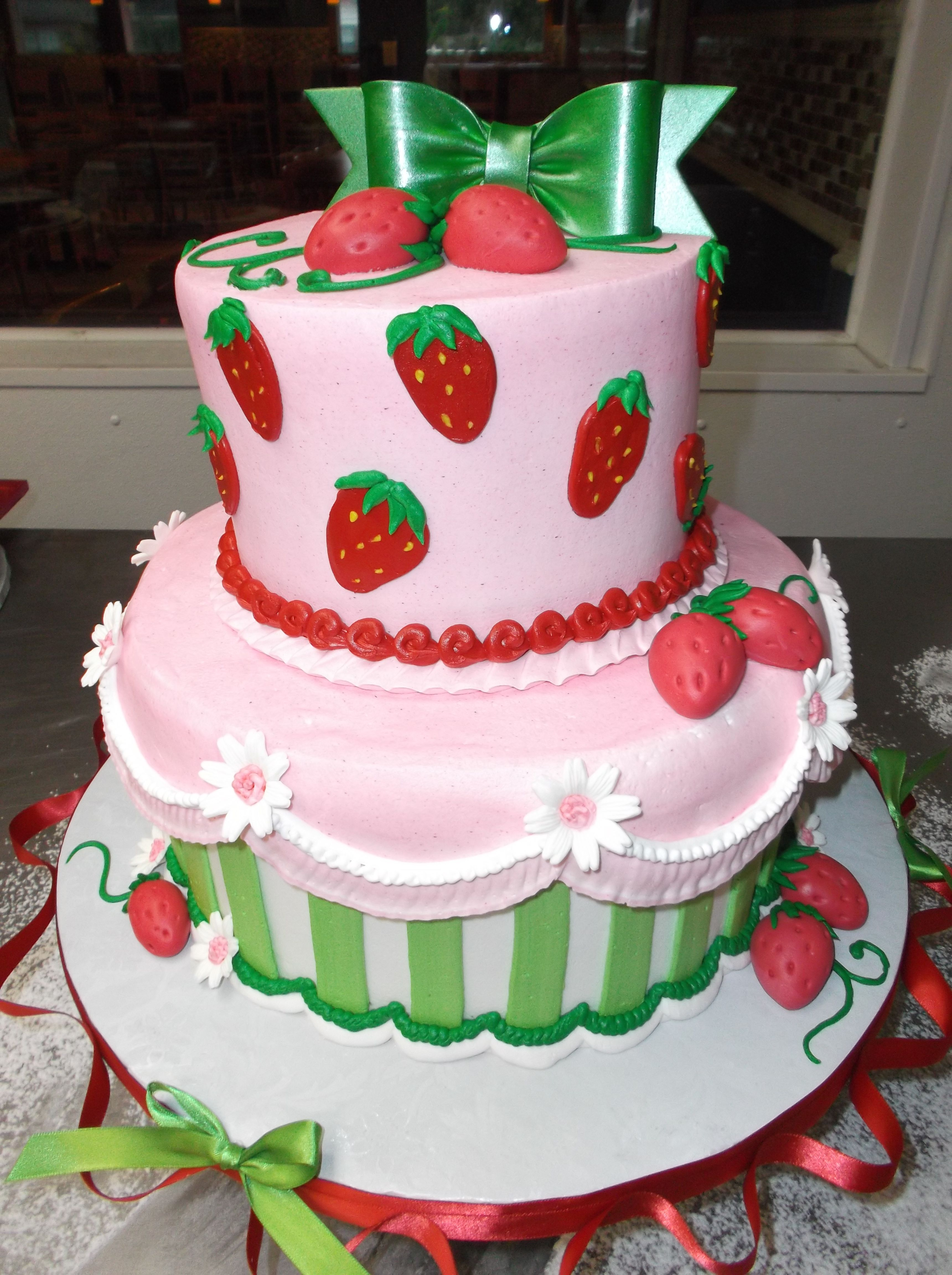 Pin by Melissa Thoele-Maggiore on Our Alessi Bakery Cakes ...