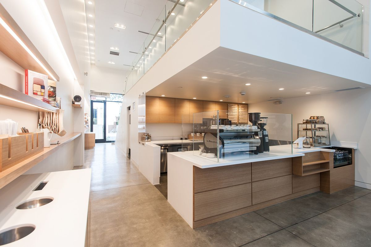 Blue Bottle Coffees Culver City shop is a minimalist gem