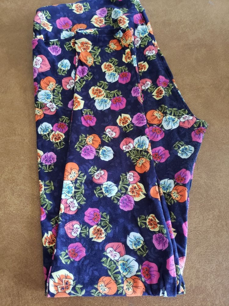 c76ae49ce161b8 lularoe leggings Disney TC tall curvy Alice in Wonderland flowers pansies  GUC #LuLaRoe