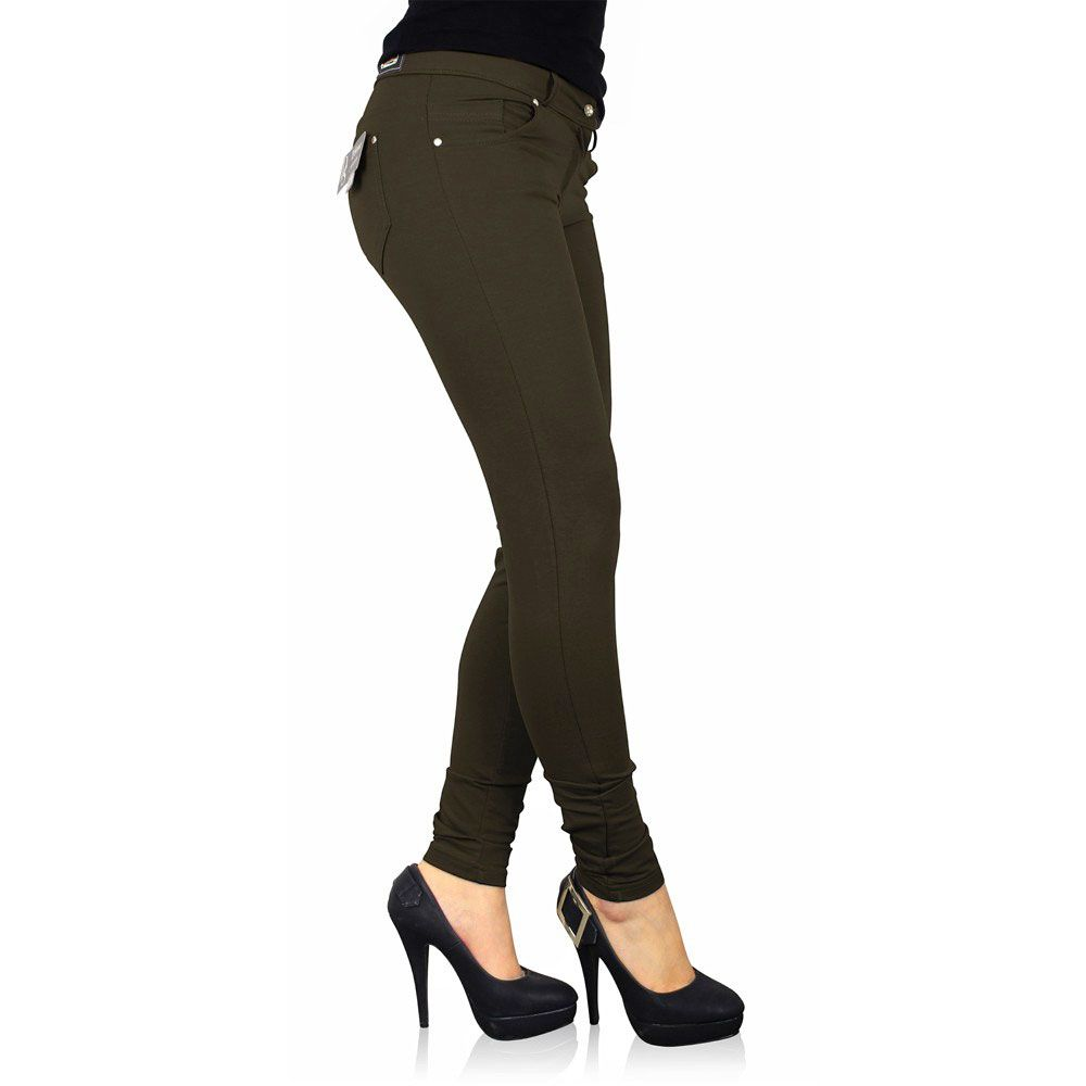 Neu im Shop! Damen Stretch Leggings  Die Sexy Damen Stretch Leggings der Marke D´Sema begeistert mit hohem Tragekomfort. Der elastische Rundum-Bund sowie die klassische Leibhöhe gewährleisten einen bequemen Sitz.Egal, ob Sie diese Stretch-Leggings mit High Heels oder Ballerinas tragen, dieses Modell ist ein absoluter Blickfang und Sie sehen damit immer sexy und elegant aus.  Zum Artikel: http://www.myattitude.de/frauen/…/170/damen-stretch-leggings