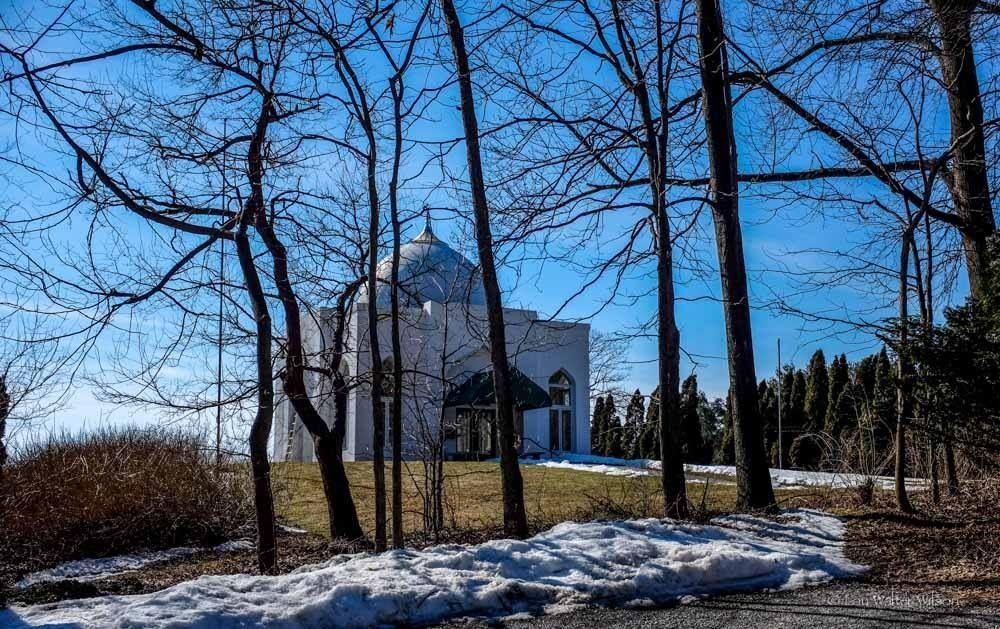 Bawa Muhaiyaddeen Mazar in Philly. Sufi saints