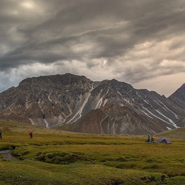 "Polubienia: 49, komentarze: 1 – Hasające Zające (@hasajacezajace) na Instagramie: ""Just before storm. Sayan Mountains. Siberia. #hasajacezajace #russia #iloverussia #siberia…"""