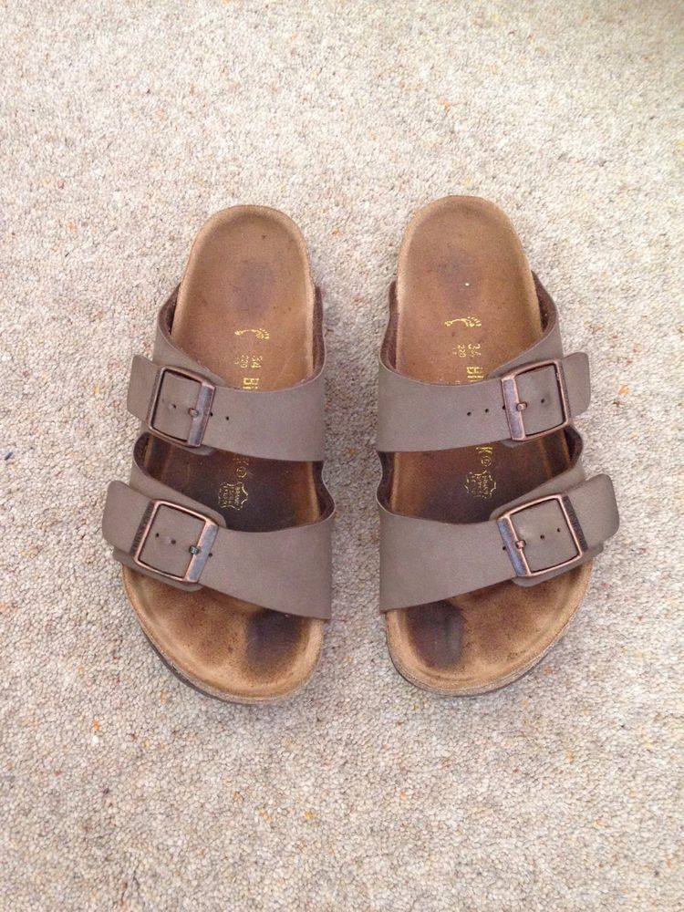 62a3169ee370d3 Boys Used Brown Birkenstock Sandals. Size 34 3