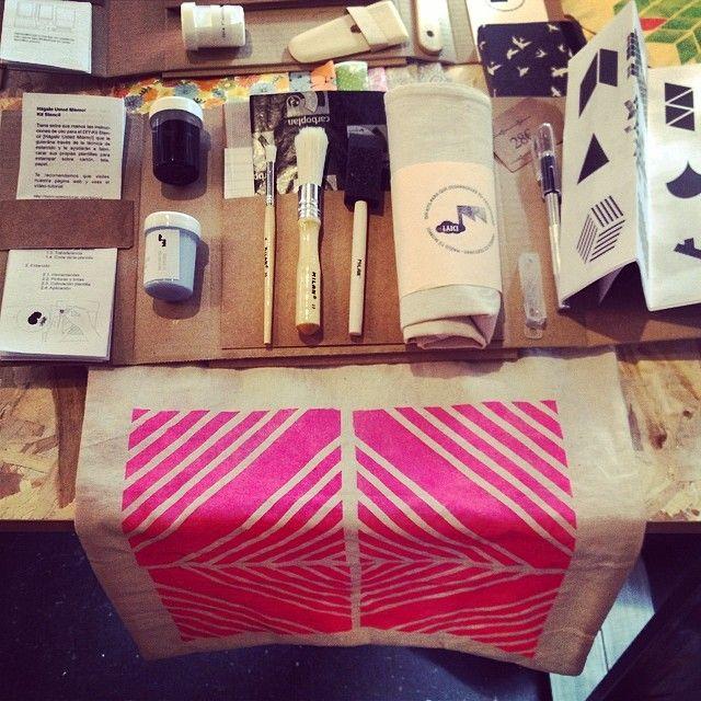 #DIY #bag ✌️#fabricadetexturas (at Central de Diseño / DIMAD)