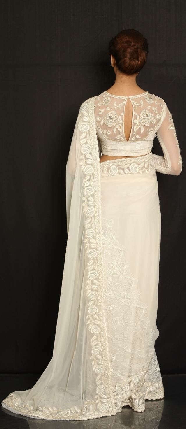 6fccfd5395027 Love this blouse and sari design! Simple and elegant