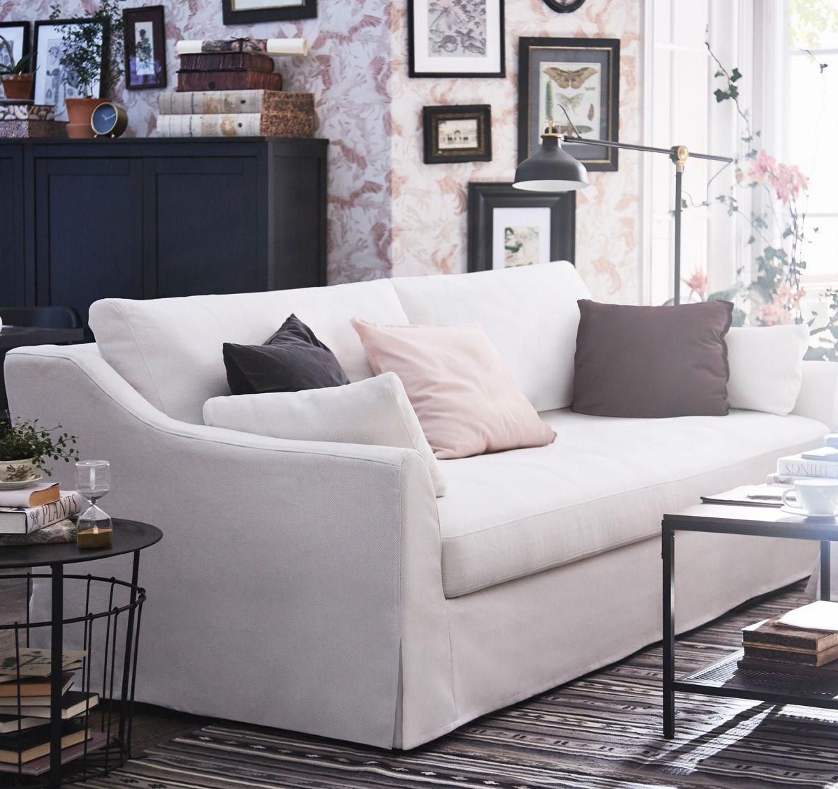 dans la large s lection de canap s ikea il y a f rl v un canap trois places g n reux et. Black Bedroom Furniture Sets. Home Design Ideas