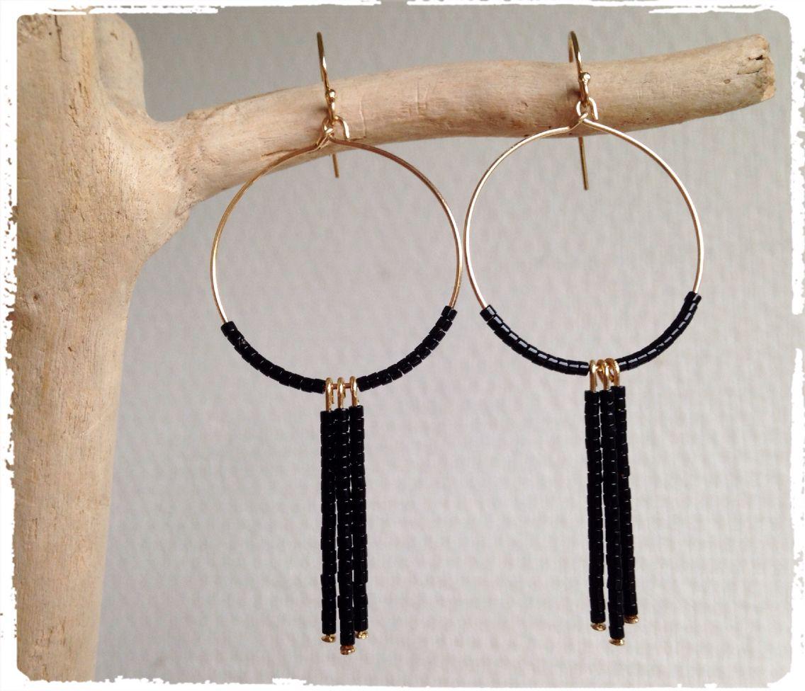 Boucles d'oreilles perles miyuki noires en plaqué or.  Mes créations....création unique DIY