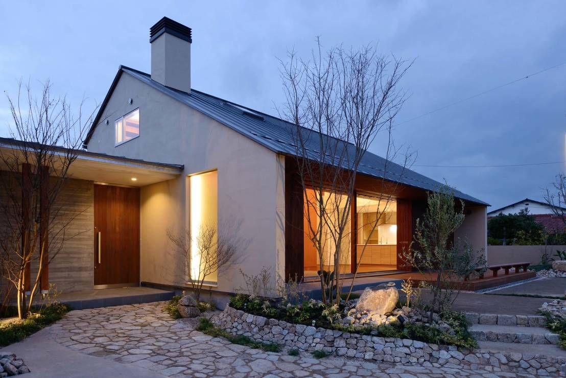 和風モダン住宅に加わった北欧の優雅さ 家の外壁 平屋外観 住宅 外観