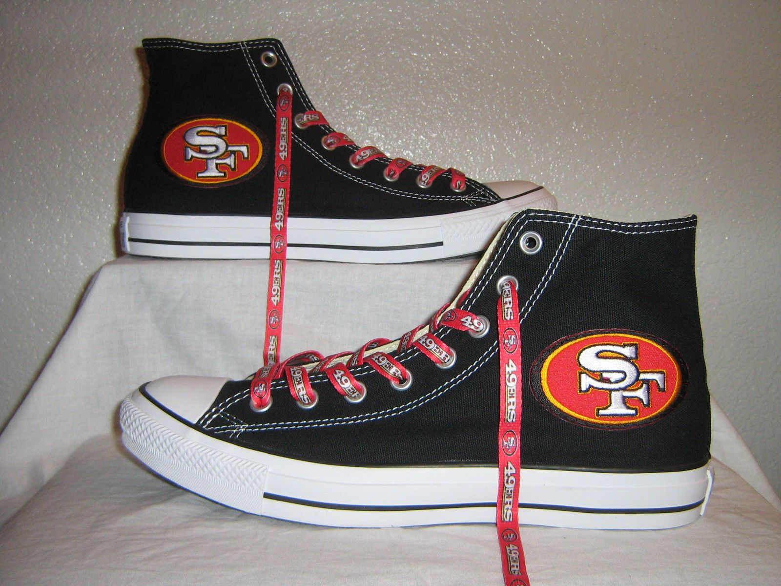 SAN FRANCISCO 49ERS **CUSTOM CONVERSE** RED AND BLACK MENS