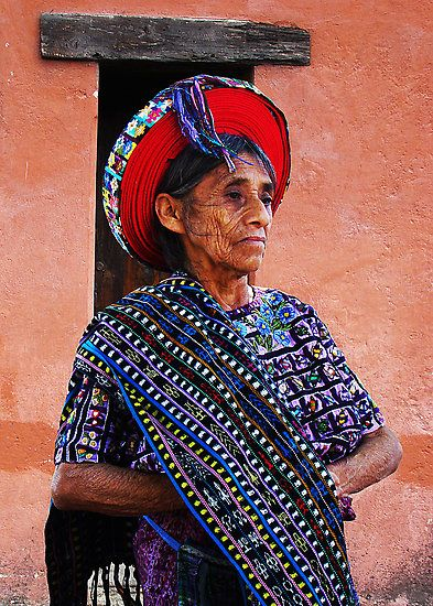 Una mujer Tzutujil, Santiago Atitlan, Guatemala.
