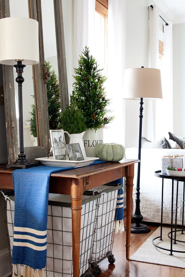 christmas decorating blue white green farmhouse cottage style rh pinterest com