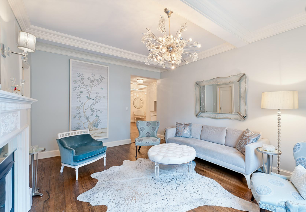News Personality Kimberly Guilfoyle Lists Her Glamorous NYC Apartment GuilfoyleCute Living RoomColor