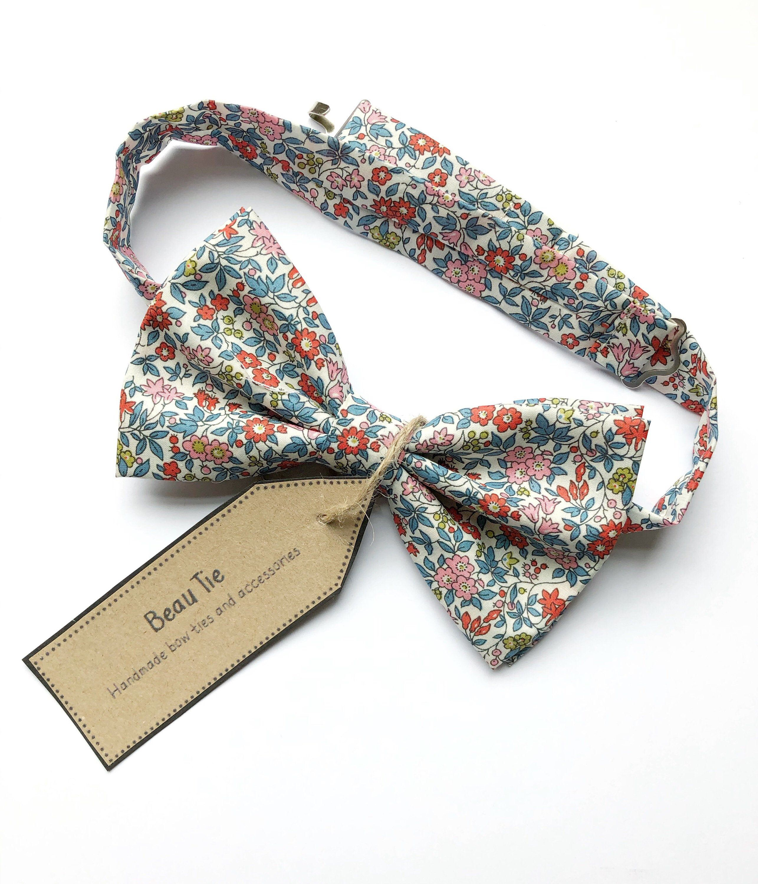 Men S Floral Bow Tie Handmade Using Liberty Cotton Made In The Uk And Great As A Gift For Him Or A Wedding Bow Tie F Floral Bow Tie Gifts For Him