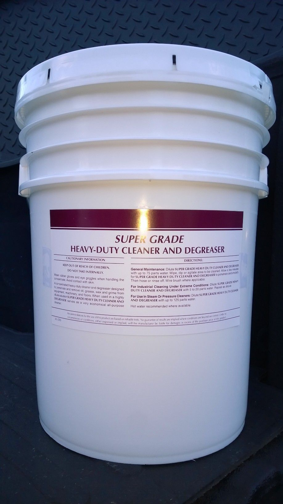 Super Grade Heavy Duty Cleaner Degreaser Liquid 5 Gal Effective Fast Acting More Of The Active Ingredients Work Degreasers Concrete Cleaner Car Wash