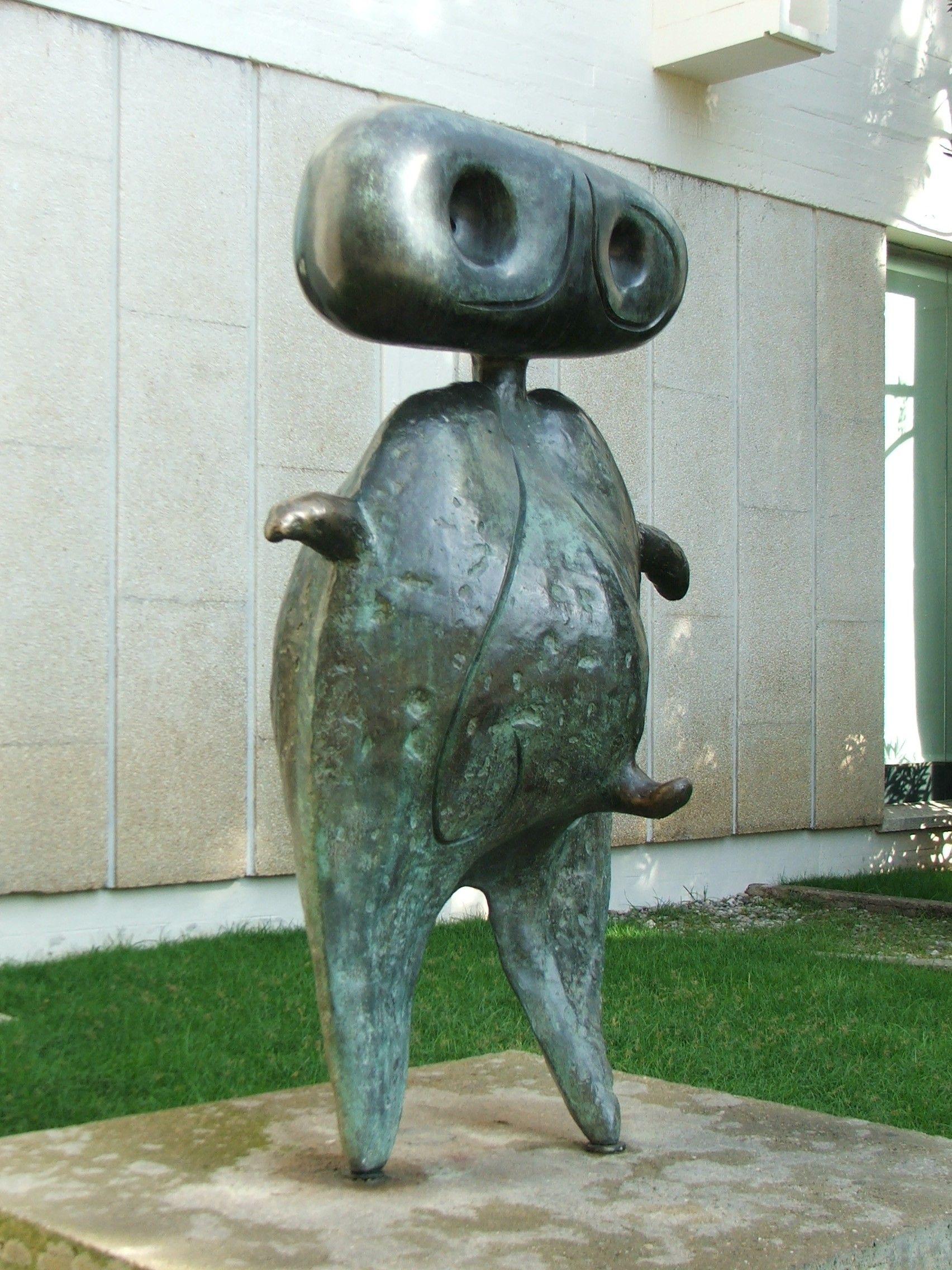 sculpture bronze miro