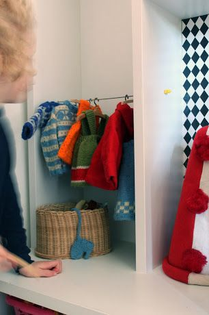 Diy Dolls Clothing Rack made from lonely knitting needle