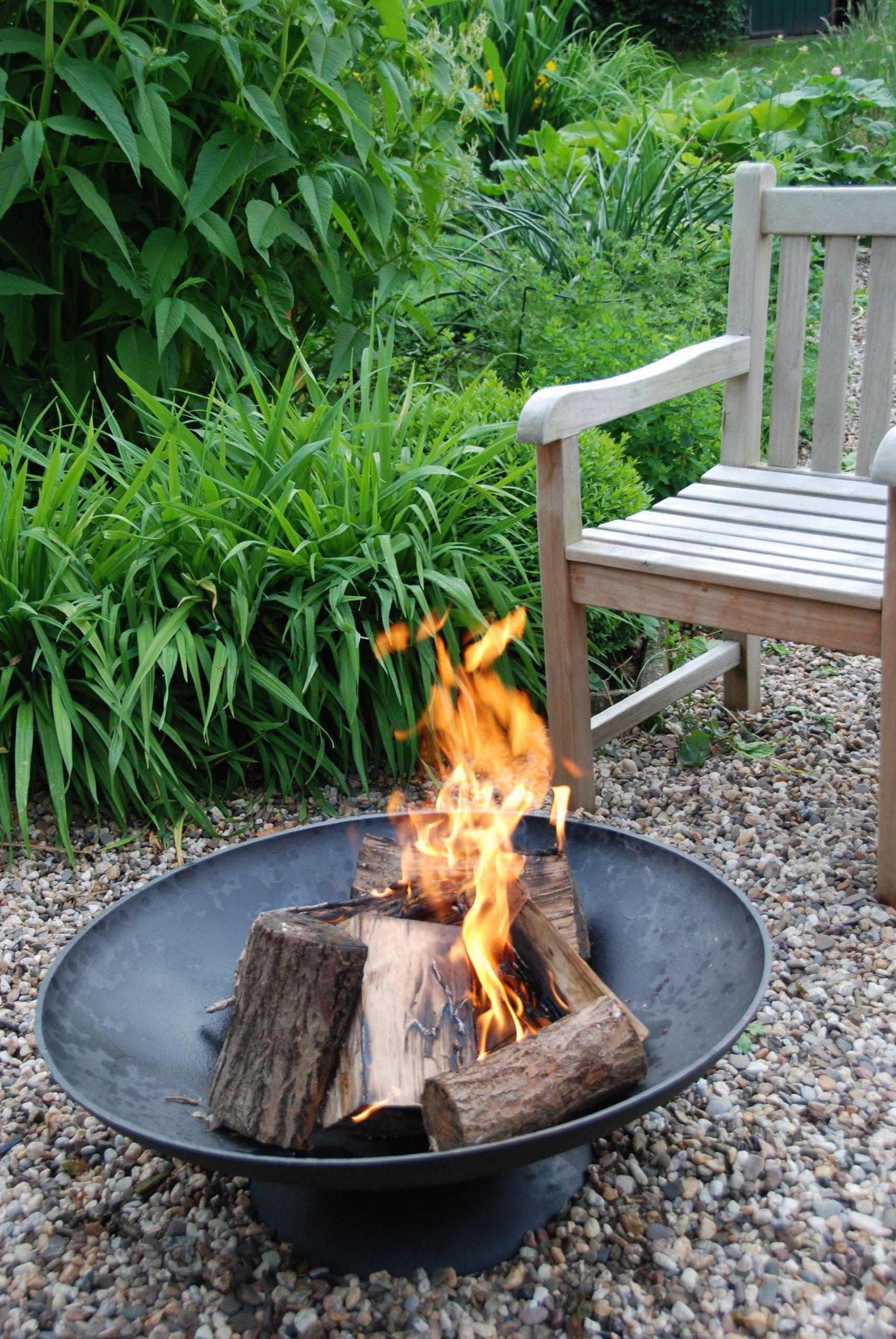 Amazon Com Esschert Design Ff90 Fire Bowl X Large Outdoor Fireplaces Patio Lawn Garden Fire Bowls Wood Fire Pit Cool Fire Pits