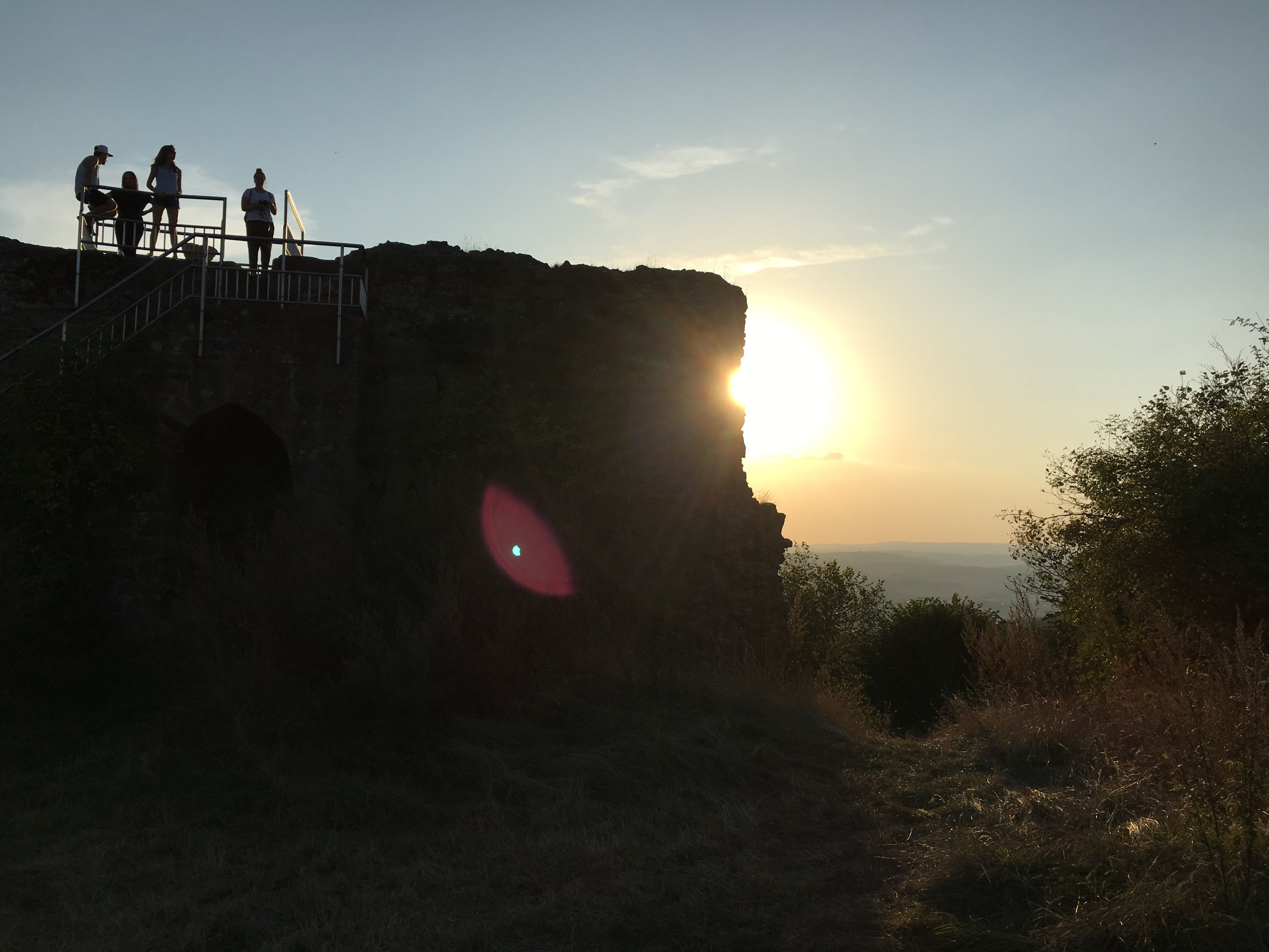 Sunset auf Burg Frauenberg in Hessen #hugenottenwaldenserpfad #culturalroutes #hessentourismus #expeditionhessen #visithessen #sunset