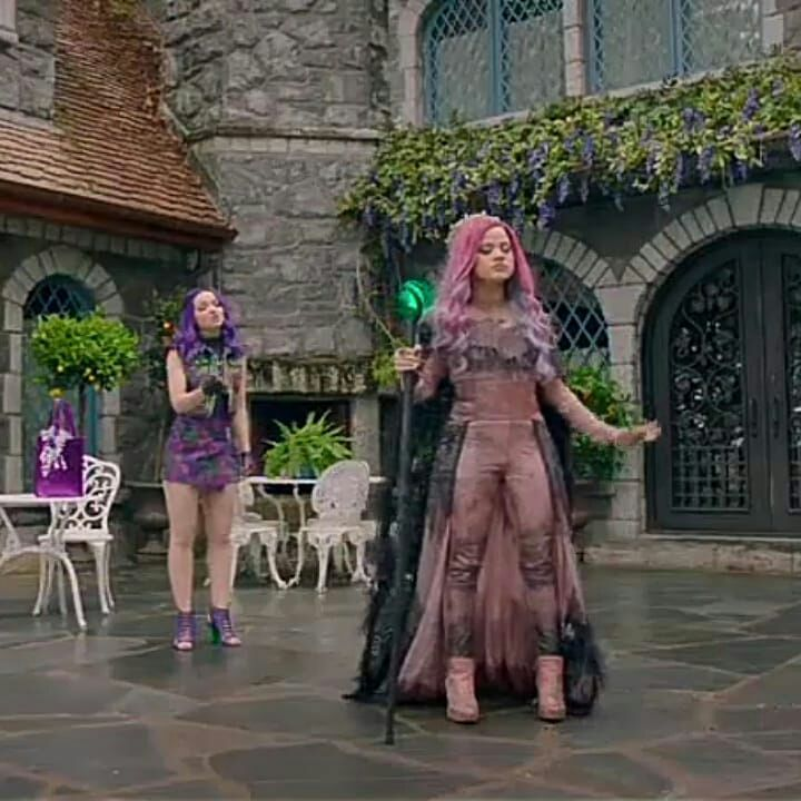 NOTIS #D3  - Teaser Audrey +img mix #descendants3