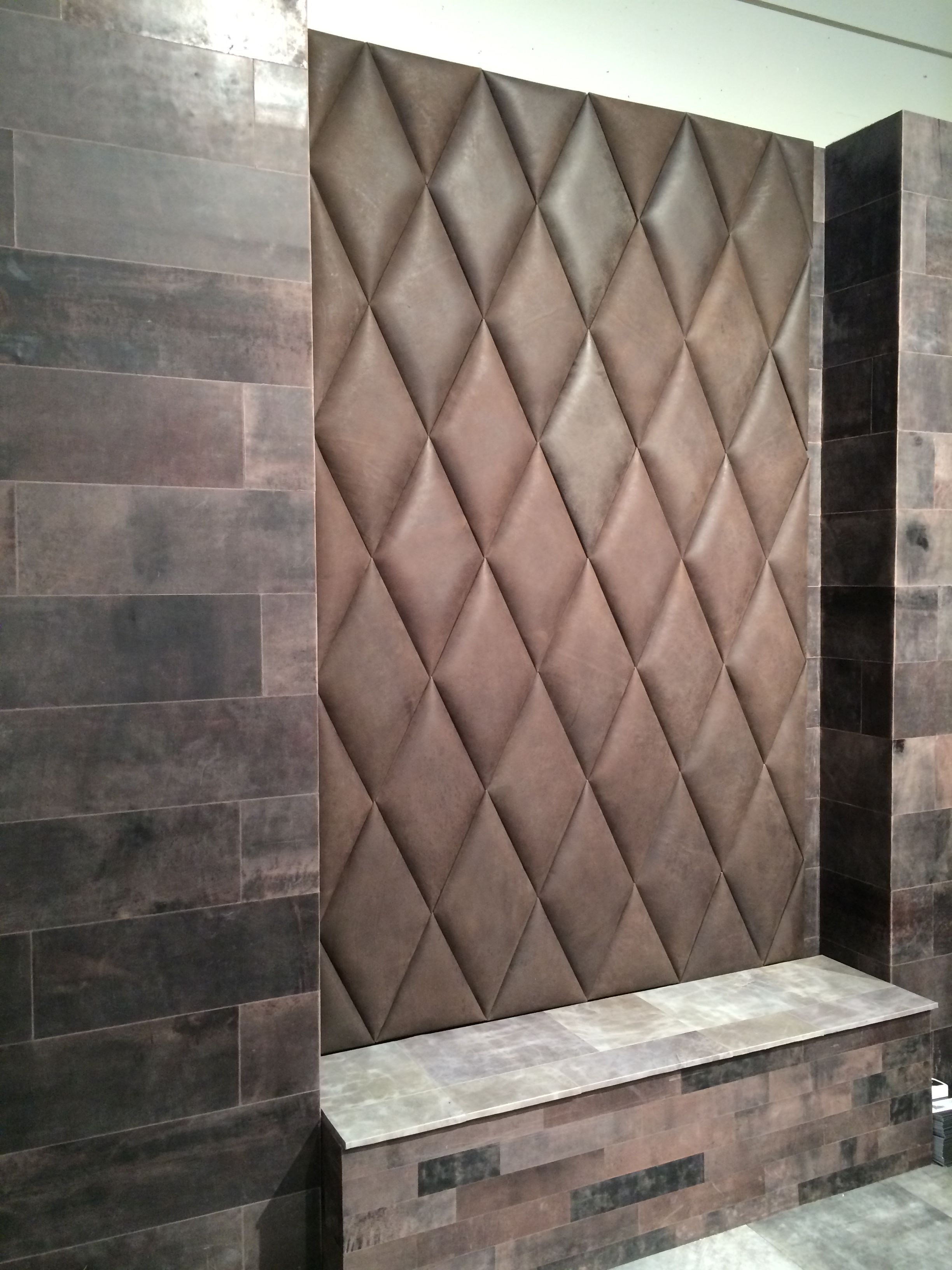 Suede Behang Diamand Shape 3d Padded Tiles In Leather Behang Wallpaper