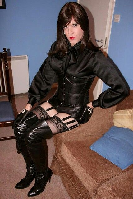 fetish boots Transvestite crossdresser