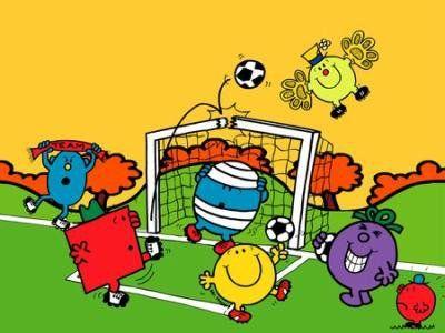 サッカーしているハッピーくん達です。