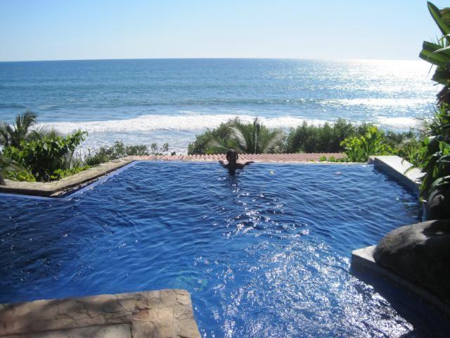 Hotel Tekuani Kal - Kid Friendly Hotel in Playa El Tunco, El Salvador