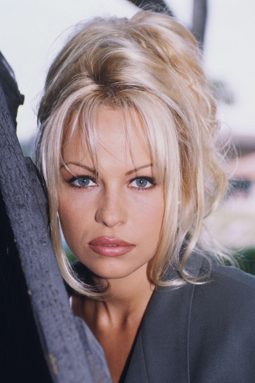 foto Pamela Anderson (naturalized American citizen)