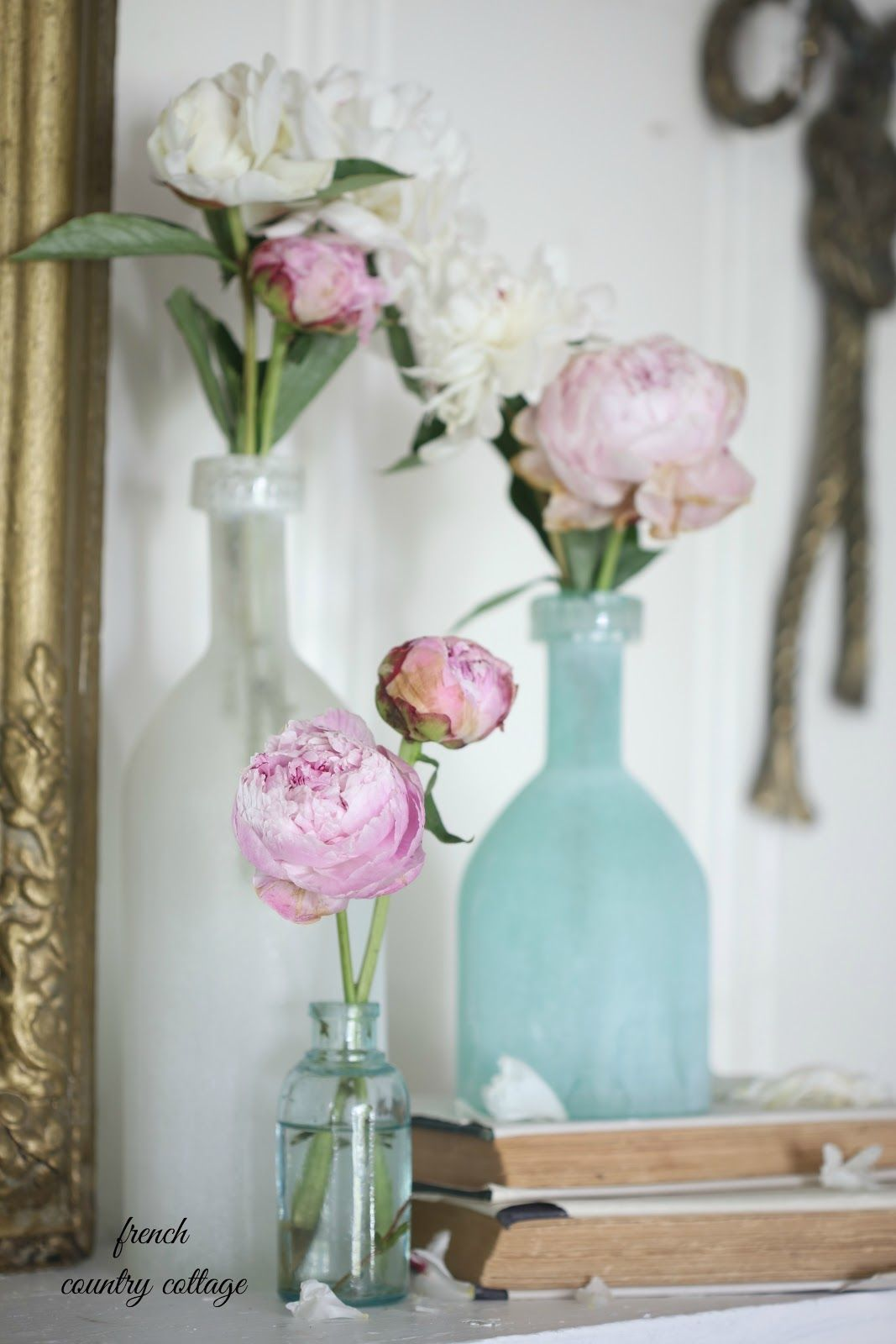 How to style a simple summer mantel in 5 minutes - FRENCH COUNTRY COTTAGE