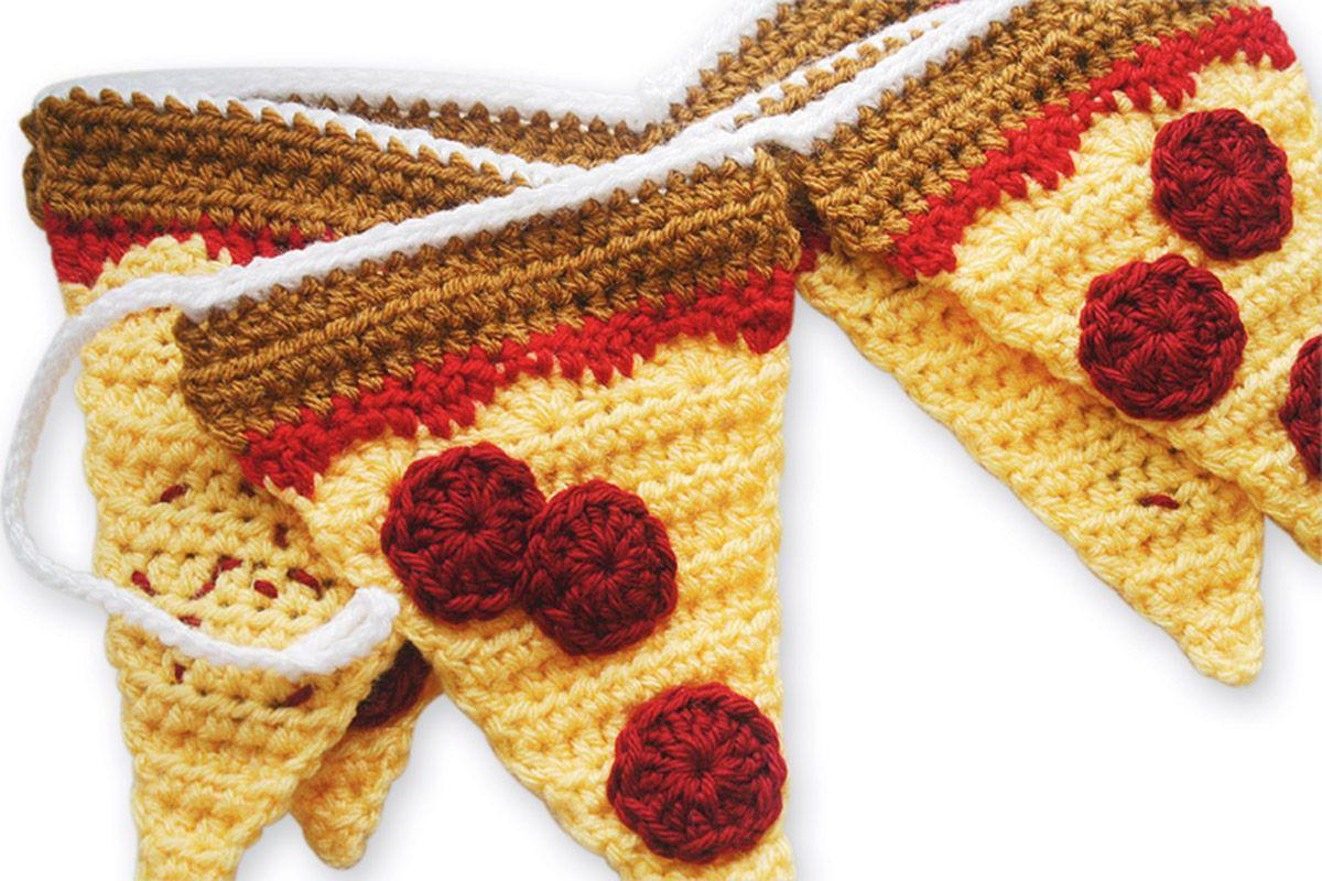 Lion Brand® Vanna\'s Choice® Pepperoni Pizza Garland (Crochet) | Toys ...