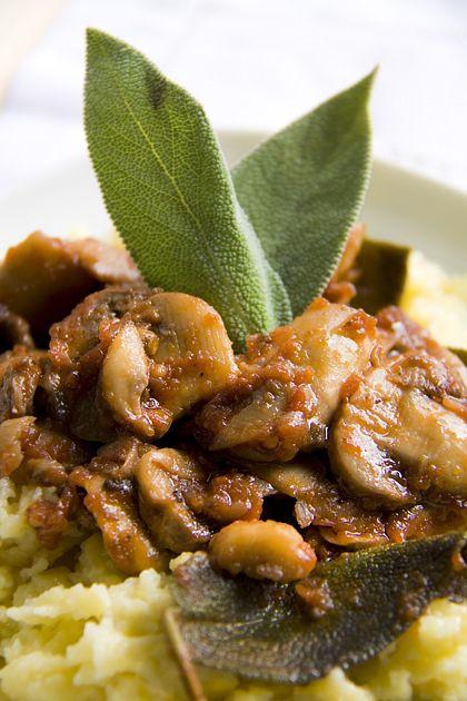 Spaetzle con champignon alla salvia