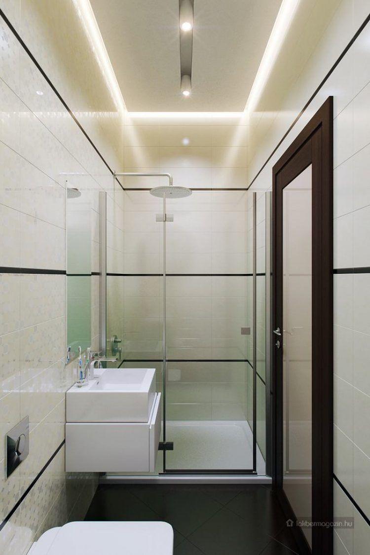 Mini fürdőszoba, itt már csak egy zuhanyfülke fért el mosdóval és ...