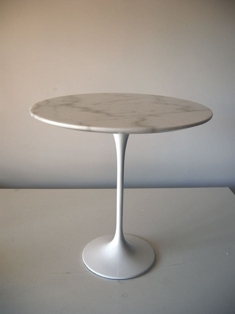 Tavolino da fumo tulip eero saarinen 1956 carrara and tables - Tavolo knoll prezzo ...