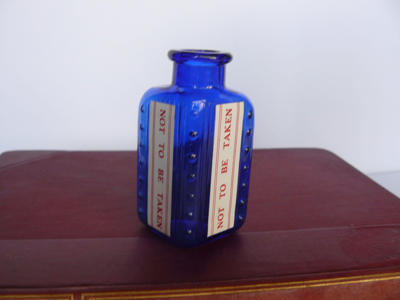 1 rare shape vintage small cobalt blue chemist apothecary