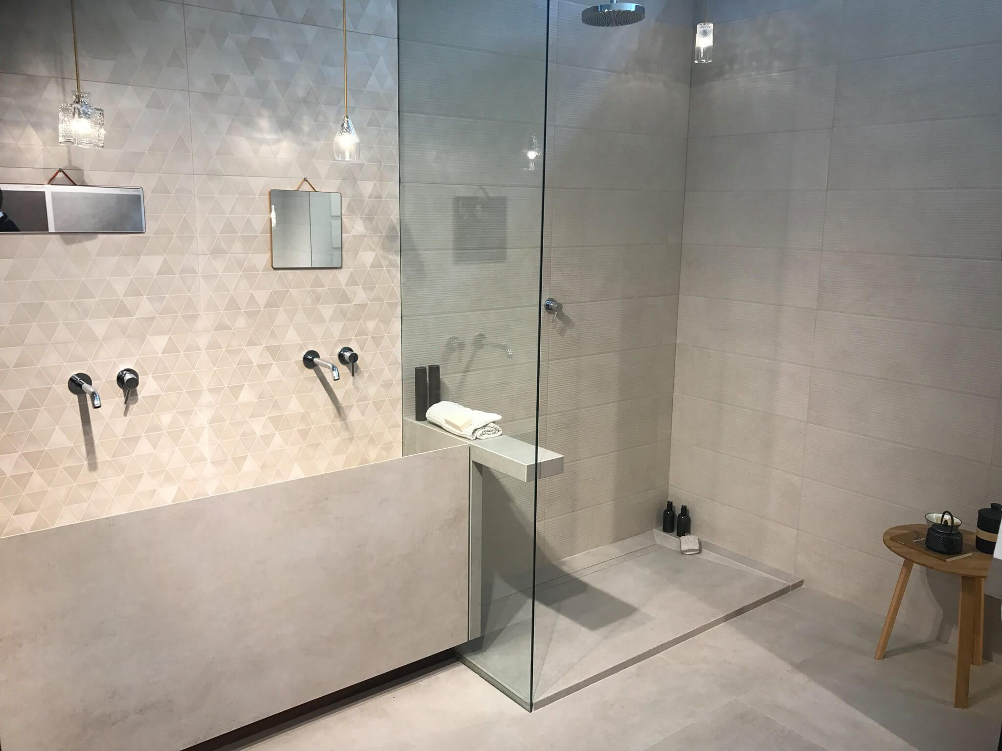 Oben Exklusives Badezimmer Design Einfaches Dekor