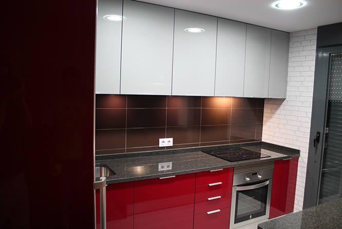 Rey rojo con gris clarito granito negro cocinas en - Cocinas en getafe ...