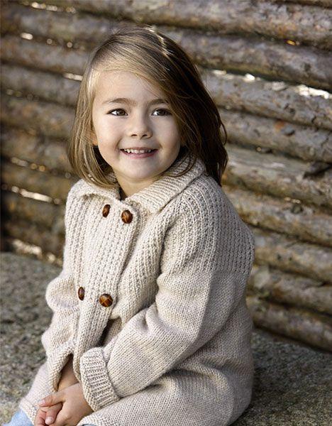 46c00729 Dejlig jakke til pige eller dreng mellem 1 og 6 år. Gratis strikkeopskrift