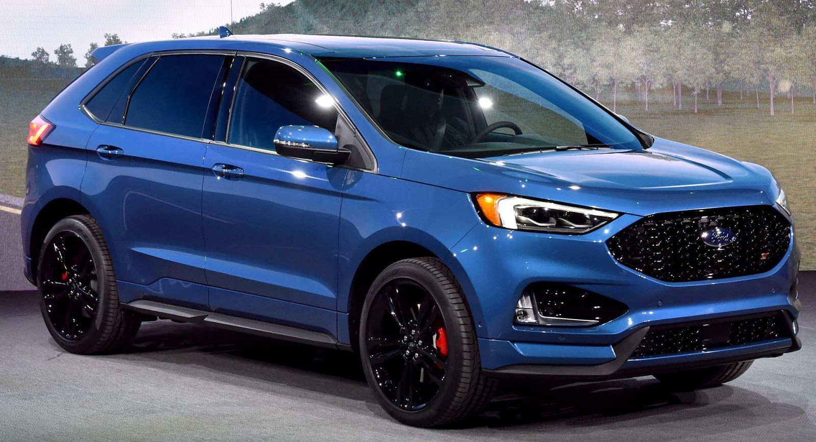 2019 Ford Edge St Brings A Class Leading Twin Turbo V6 To Detroit Ford Edge Ford Edge Sport 2019 Ford