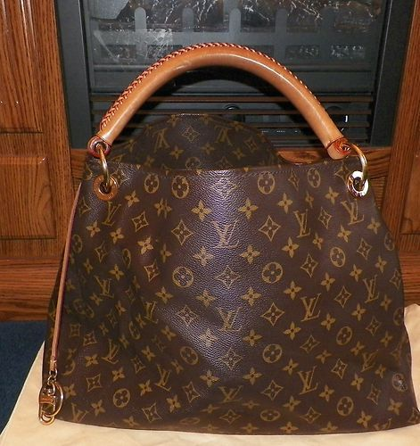 Louis Vuitton Artsy mm Monogram Handbag Tote Authentic   eBay   Want ... 2d930e67695