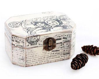 Beige Wooden Box Treasury Box Jewelry Box by MyHouseOfDreams