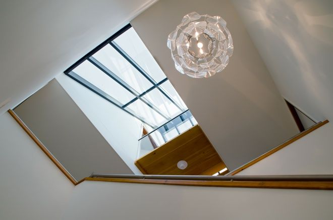 Vide In Hal : Daglicht in de hal moderne trappartij grote ruimtelijke vide