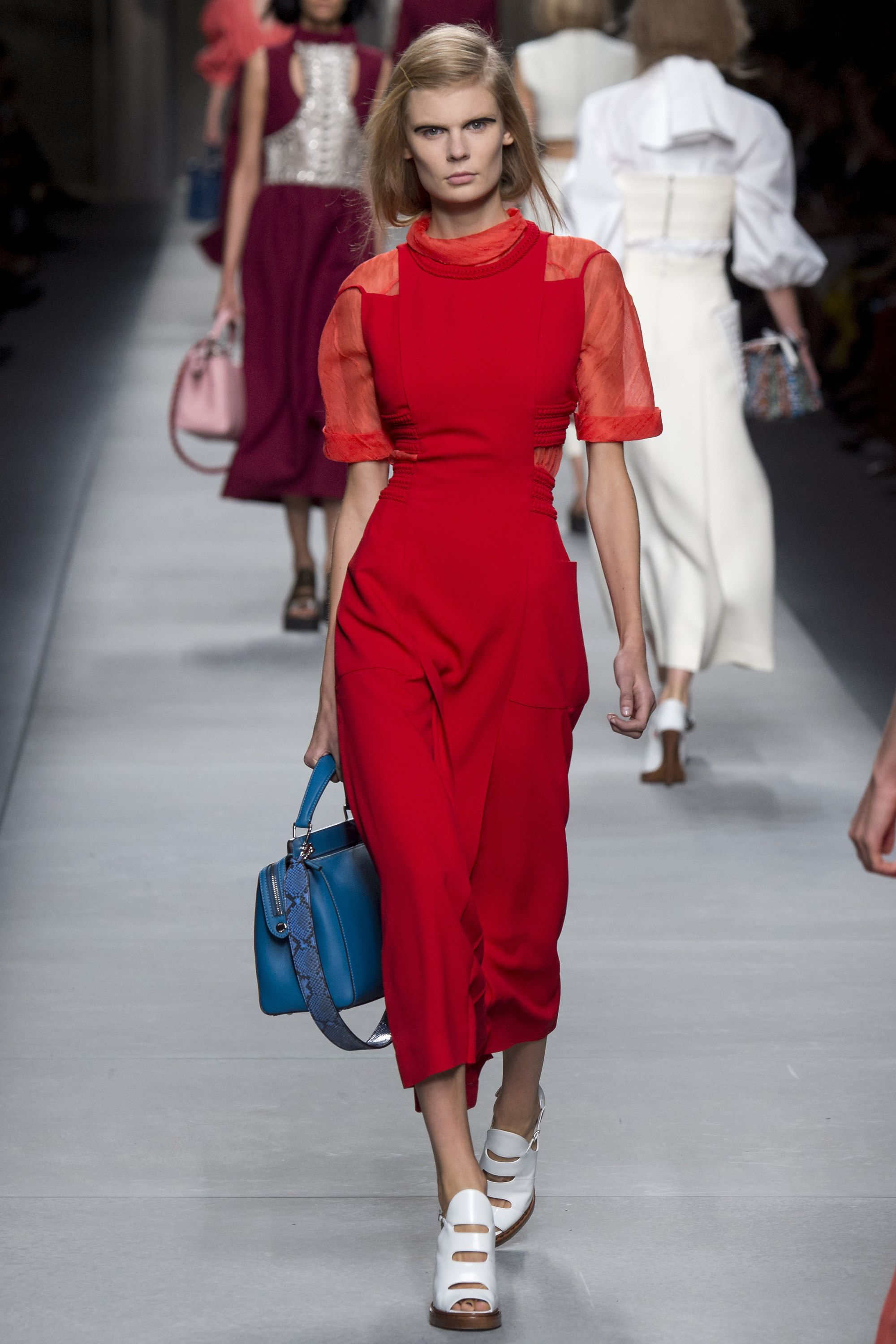 6eb0c0cb8be Fendi Spring 2016 Ready-to-Wear Fashion Show
