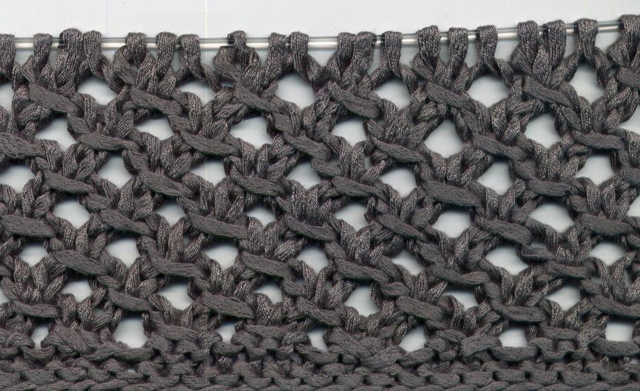 effektvolles lochmuster relativ leicht zu stricken maschenzahl teilbar durch 3 2 randmaschen. Black Bedroom Furniture Sets. Home Design Ideas