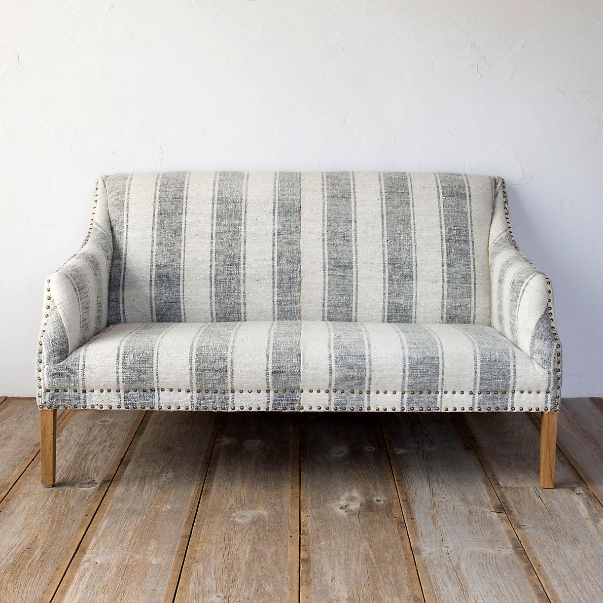 Couch Shabby Chic Best Furniture For A Shabby Chic Living Room Color Schemes