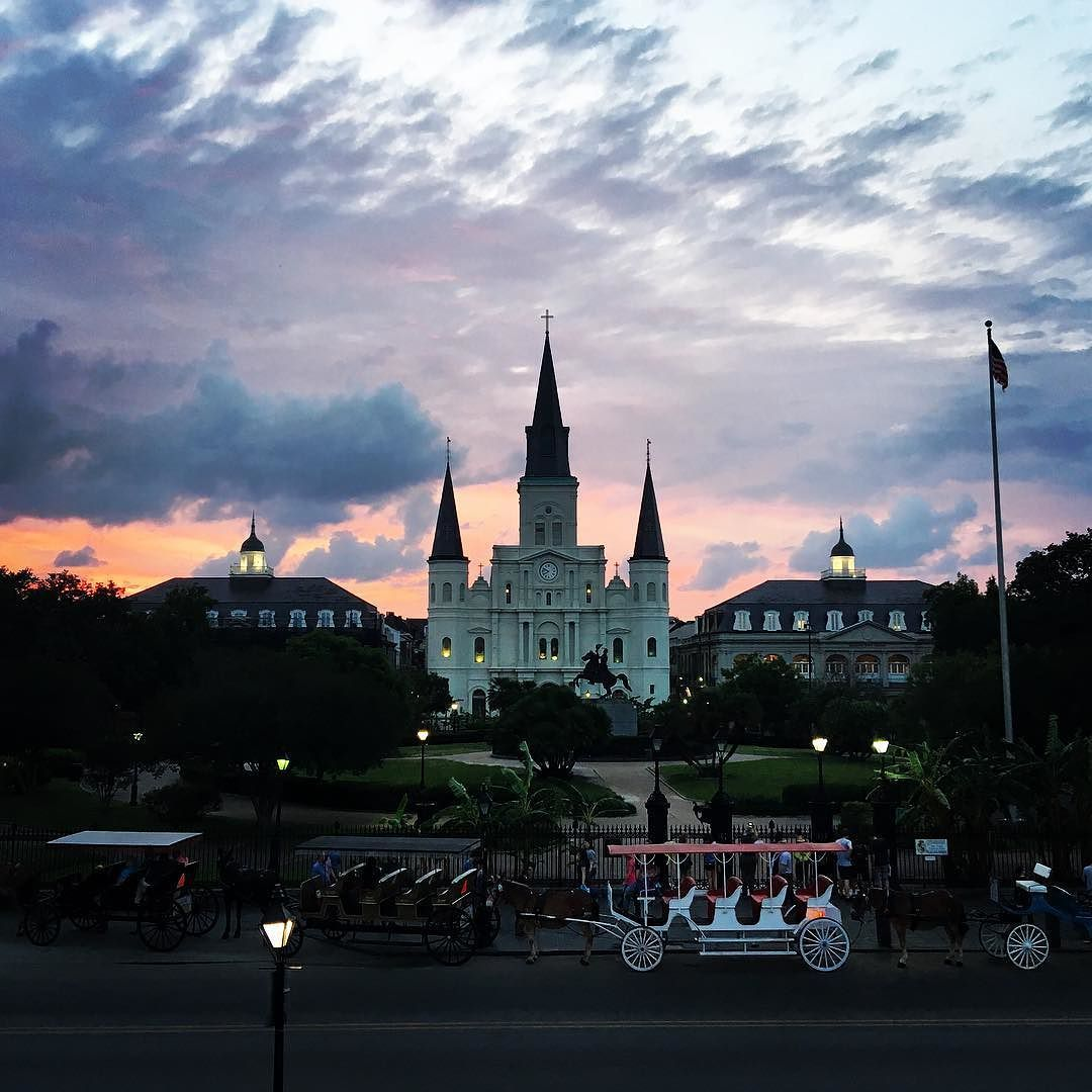 Magical! #stlouiscathedral #neworleans #jacksonsquare #nola #frenchquarter #dusk #clouds #beautiful by yoga_vida