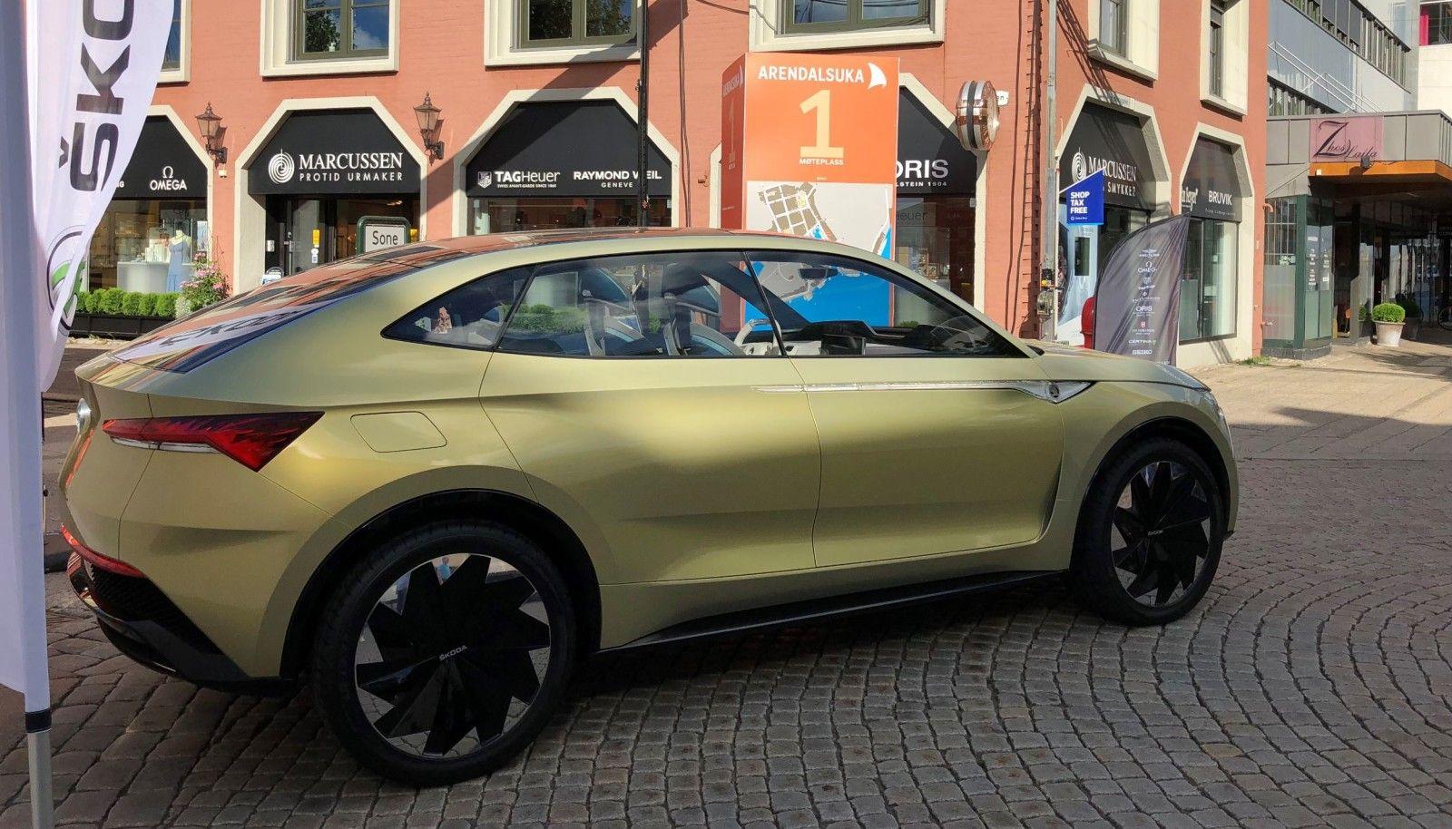 Konseptbil Bilen Som Vises Fram I Arendal Er Apenbart En Konseptmodell Vision E Kommer Ganske Sikkert Til A Fa En Del Designendringer For Bil Volkswagen Audi