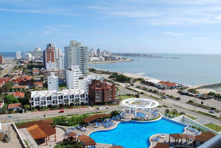 Piscina del Hotel  Casino Conrad  Punta del Este