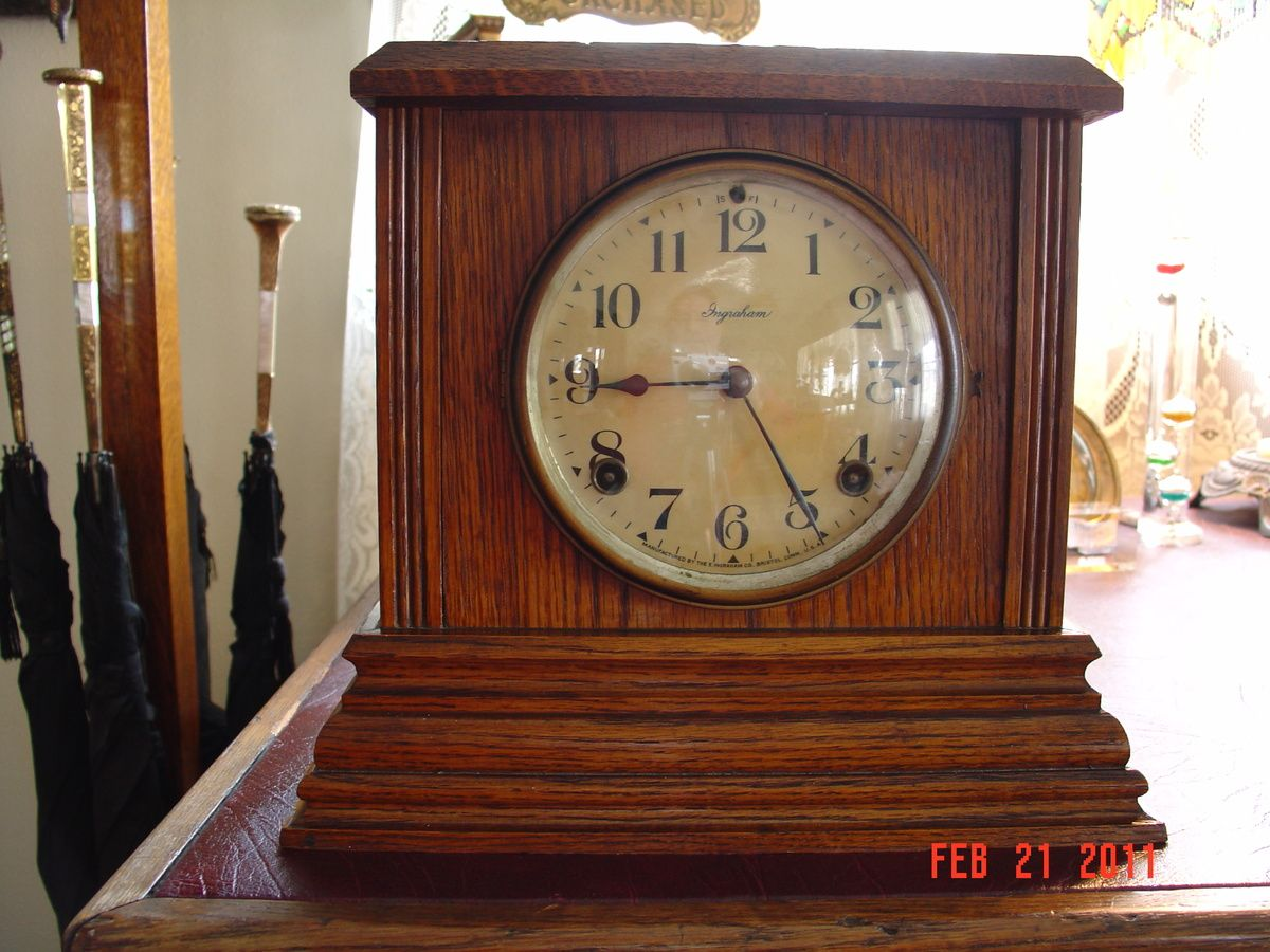 Antique Mantel Clocks Antique Oak Ingraham Mantel Clock In