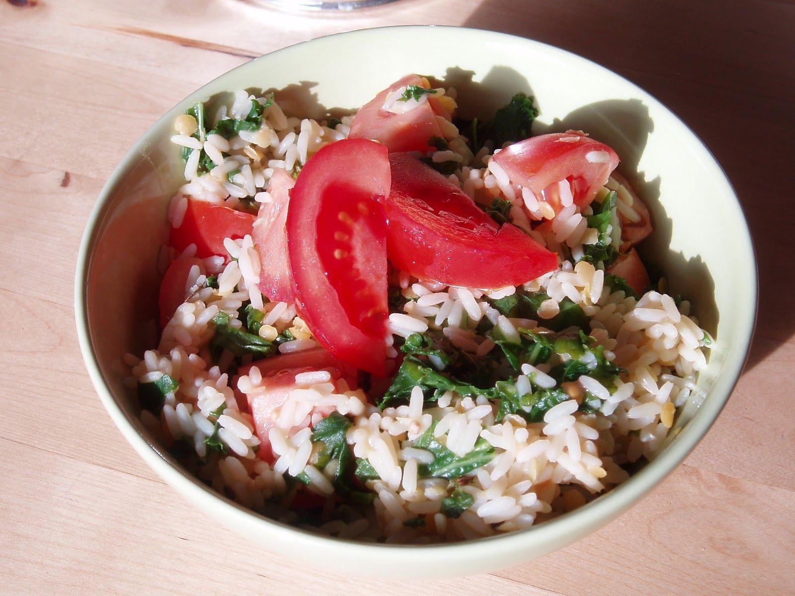 Manka mag Halloween nicht besonders, aber den Vednesday dafür umso mehr!! Hurra! Mankas Mittagessen: Reis mit Grünkohl und Linsen (glutenfrei!).  http://intolerantinfo.blogspot.de/2012/11/vegan-glutenfree-wednesday.html