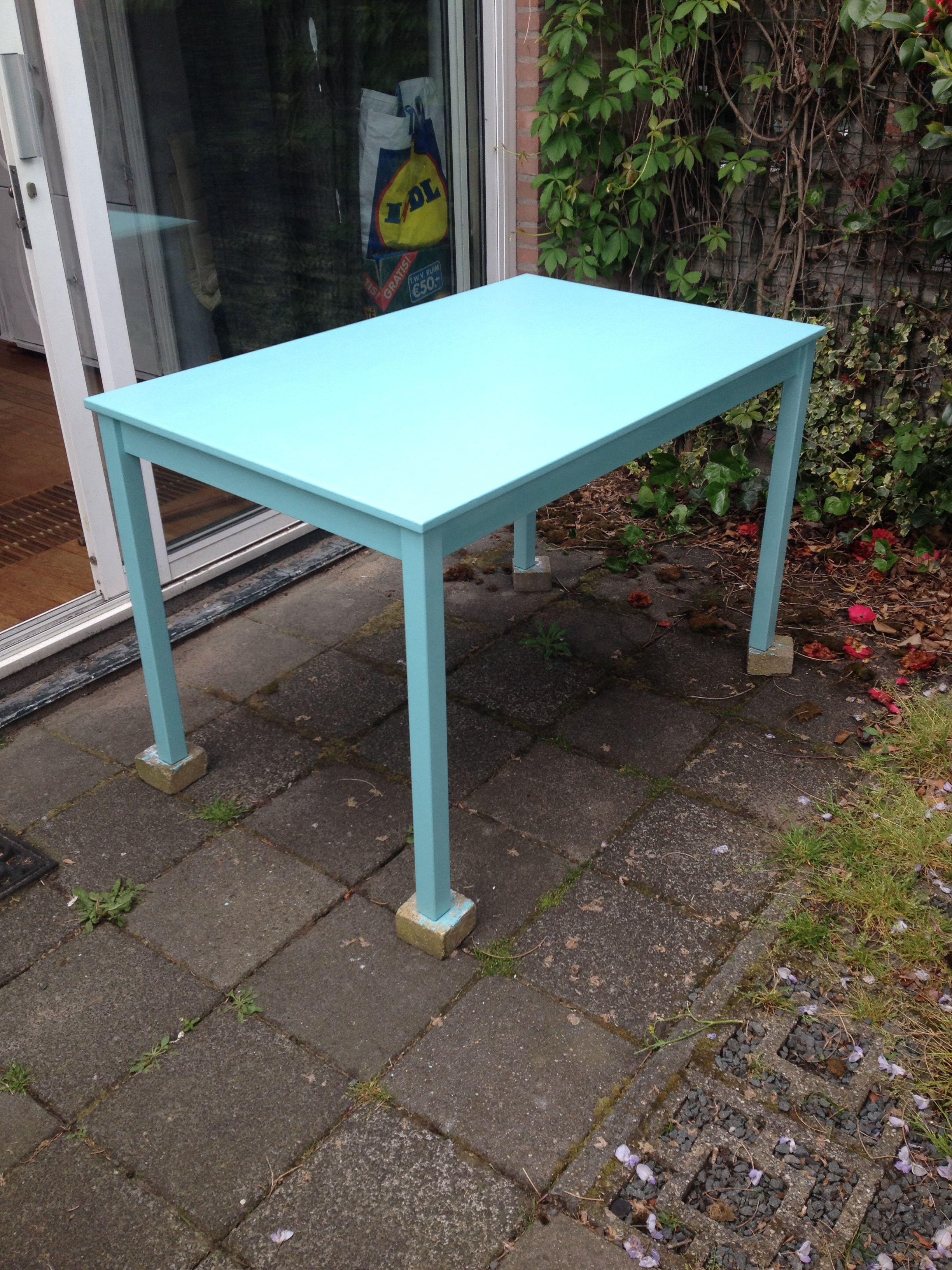 Tafel geverfd met vintage blue van flexa brocante blauw groen mat